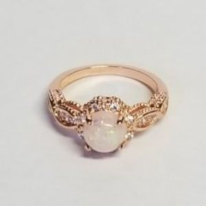 Gorgeous Rose Gold Plated Ring Sz 6 Beautiful Fire